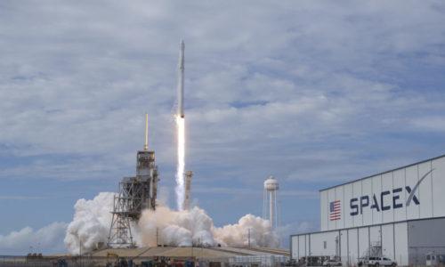 SpaceX şirkətinin Falcon 9 raketi