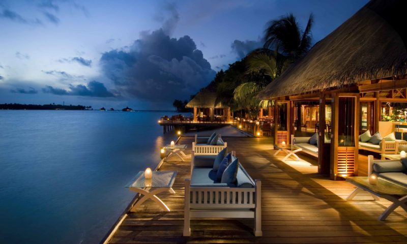 Conrad Maldives Hotel - gecə