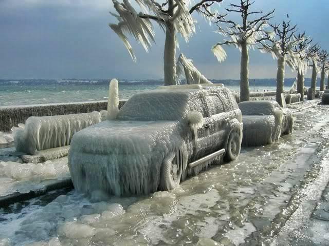 Oymyakon - donmuş avtomobil - Rusiya