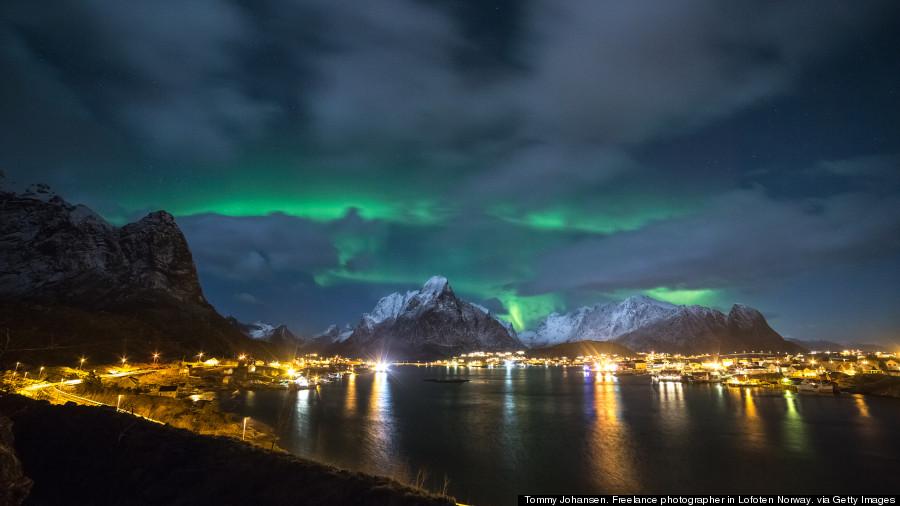 Reine - şimal parıltısı - Norveç