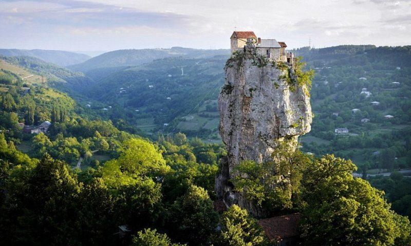 Katsxi Pillar-Gürcüstan