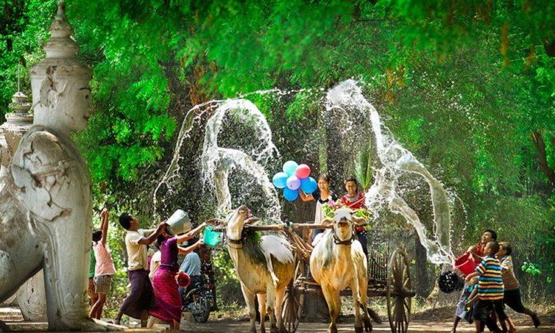 Myanmar- Su festivalı